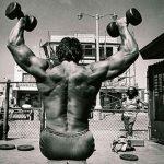 Snatch Grip Deadlifts para un crecimiento muscular explosivo